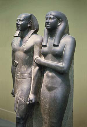 Estatuas del faraón Menkaure y su esposa.