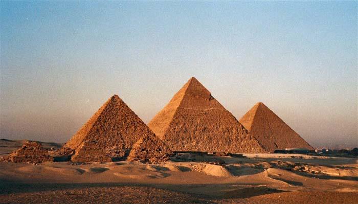 Las pirámides de Khufu, Khafre y Menkaure