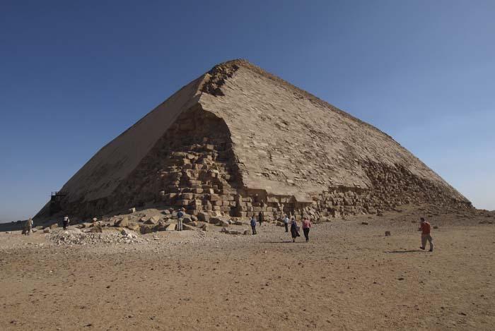 La pirámide doblada de Snefru